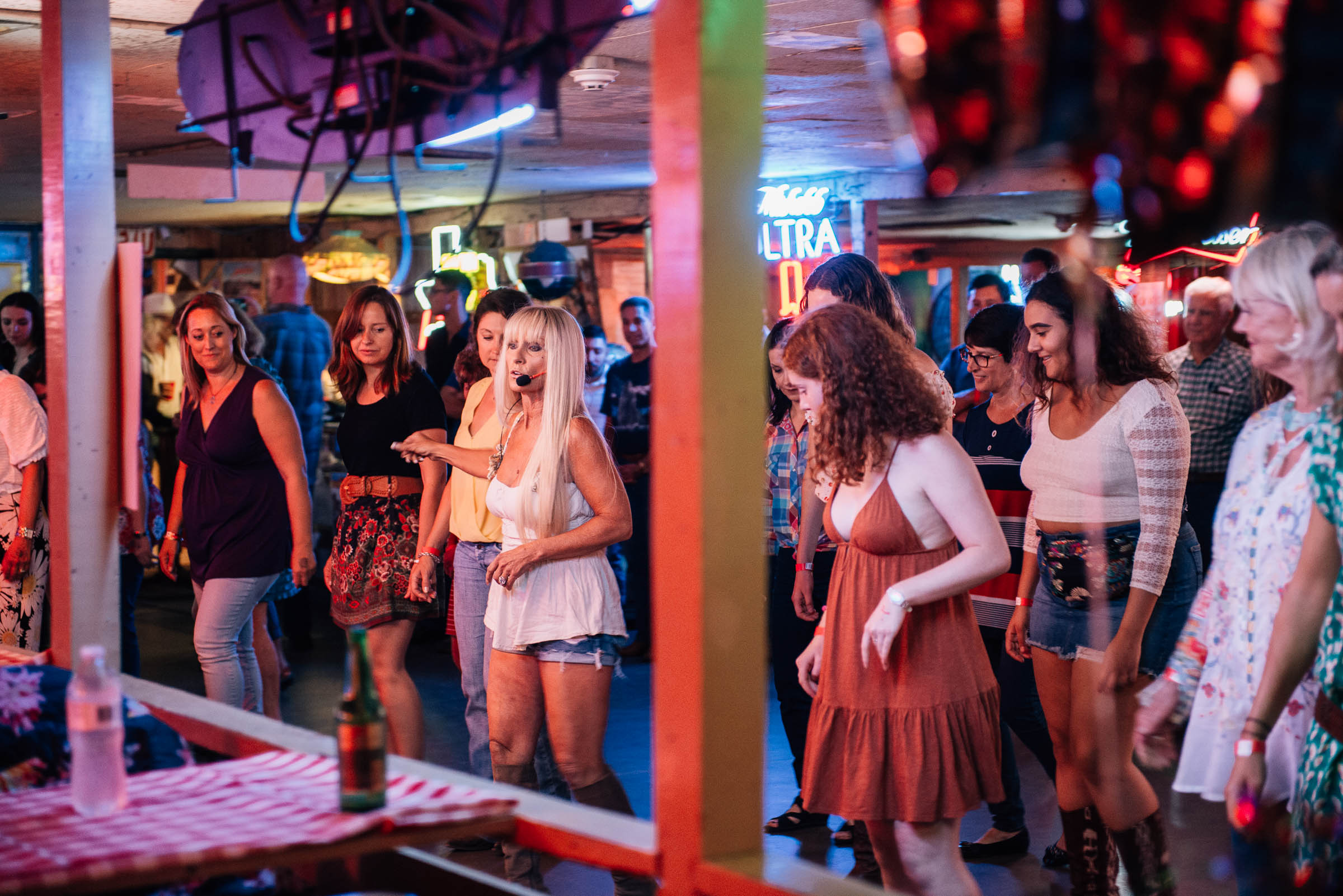Line-dancing-class-at-The-Broken-Spoke-honky-tonk-bar